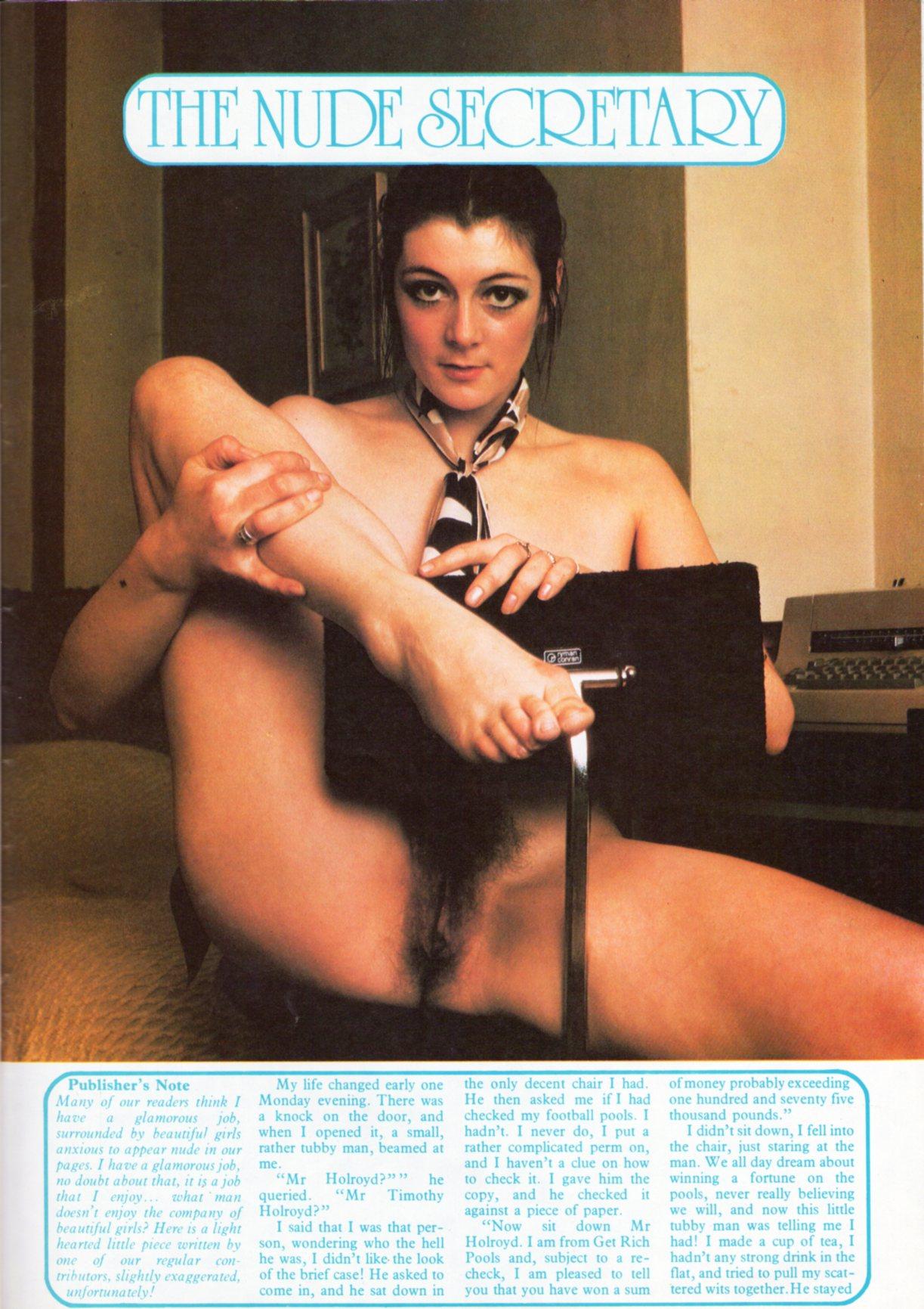 nude-secretary-1