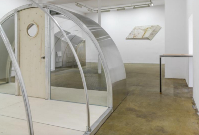 oscar-tuazon-shelters-installation-view-3